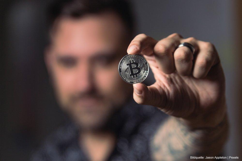 Bitcoin Mining Hardware 01