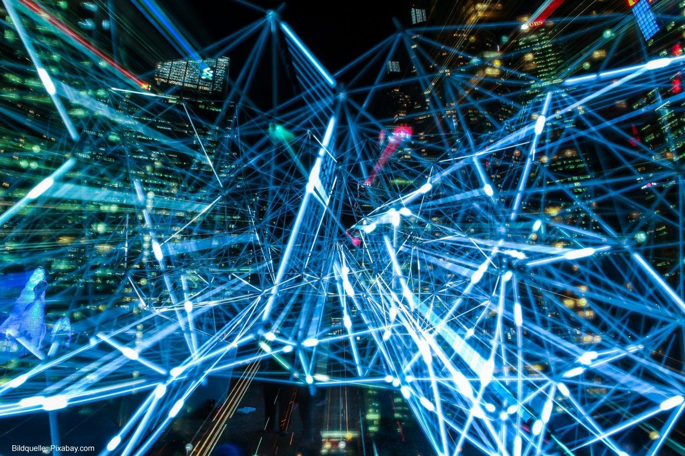 Jedes zweite Industrieunternehmen nutzt Glasfaser