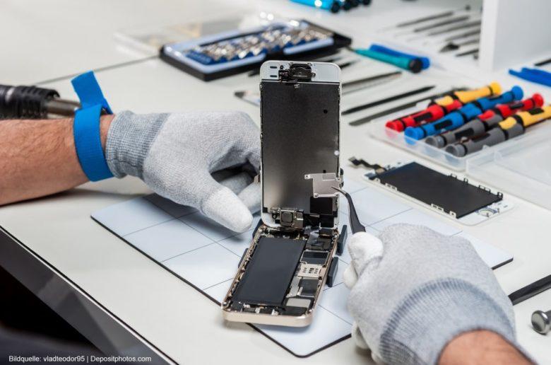 Smartphone-Reparatur-oder-Neuanschaffung-Handy