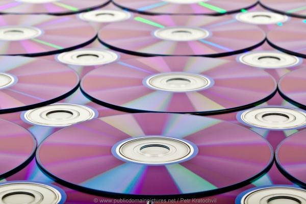 Die Beschichtung bei CD-Rohlingen, der Dye, hat verschiedene Farben.